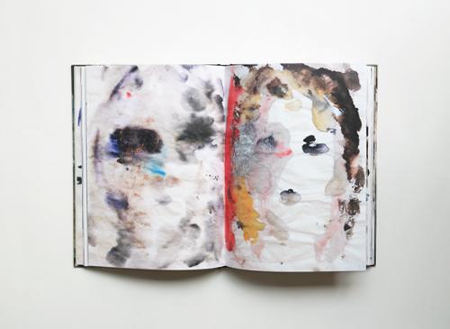 Kim Gordon: Peforming/Guzzling