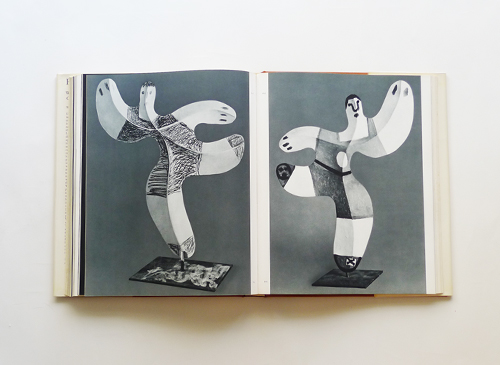 Picasso sculpture with a Complete catalogue